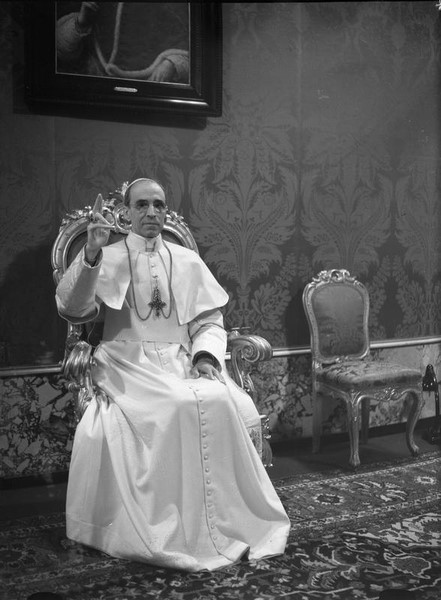 vatican-opens-up-archives-on-pope-pius-xii-to-researchers
